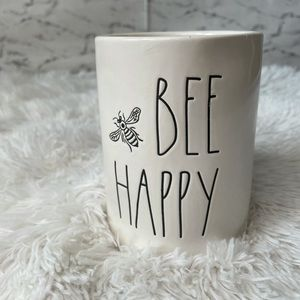 """NWOT RAE DUNN """"Be Happy"""" Candle"""